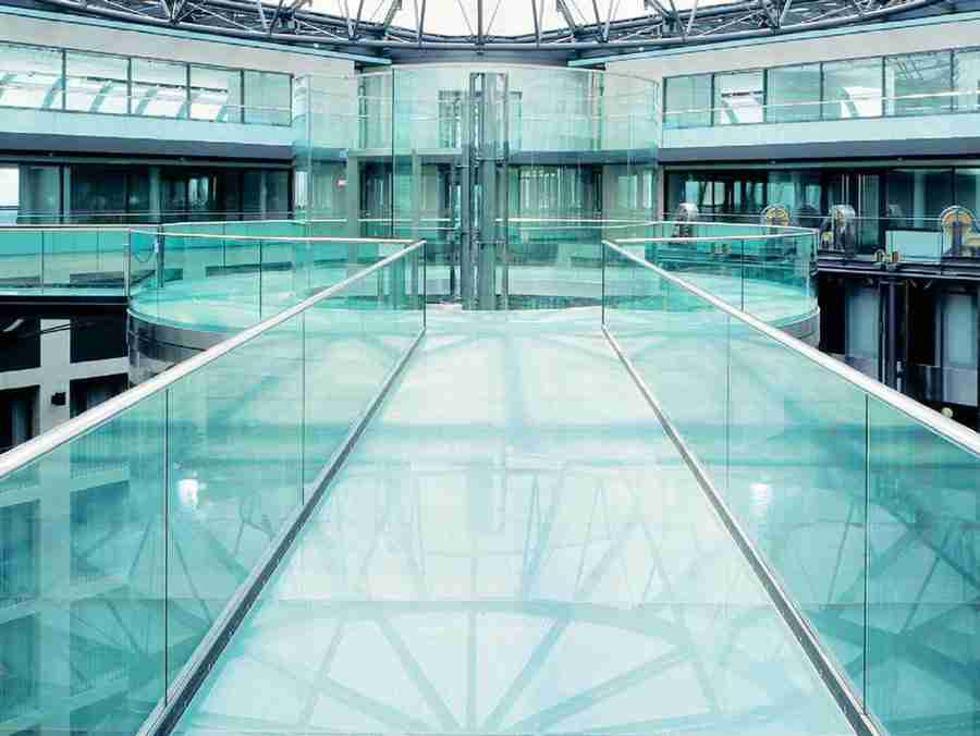 5 tips for choosing super safe & beautiful laminated glass floor 2 Laminated glass floor
