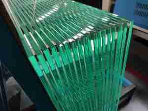 vidrio templado de hierro bajo