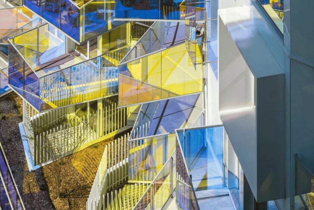 ملونة مغلفة الزجاج حديدي 2